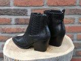 LEAH CROC BOOTS BLACK_
